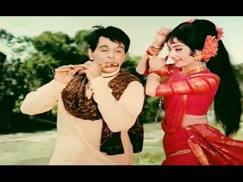 Akele hi akele chala hai kaha (Gopi 1973) - YouTube