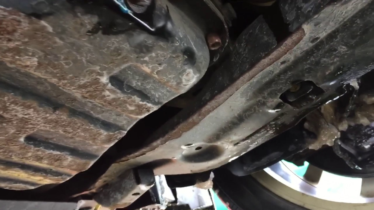 replacing oil pressure switch on 2007 2012 nissan sentra [ 1280 x 720 Pixel ]