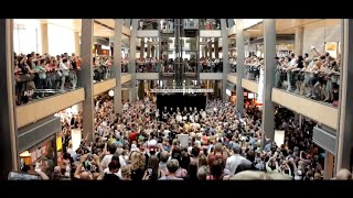 Flash Mob - Amazing We will rock you Mashup performance in mall🎵💃🏽