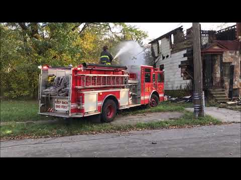 DETROIT FIRE DEPARTMENT RESPONDING TO & OPERATING AT REKINDLED STRUCTURE FIRE IN 4 DWELLINGS.