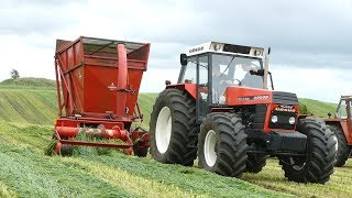 Ursus 1614 de luxe Working Hard in The Field Cutting Grass w/ Taarup 603 Forage Harvester   DK Agri