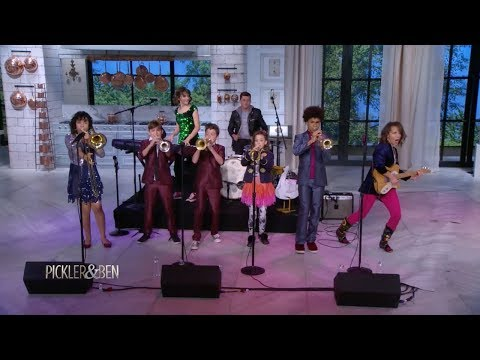 These 7 Siblings Form One Awesome Family Band! - Pickler & Ben