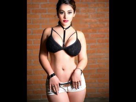 Mishelle de Enamorandonos Pack de fotos y video bailando Dura Descarga