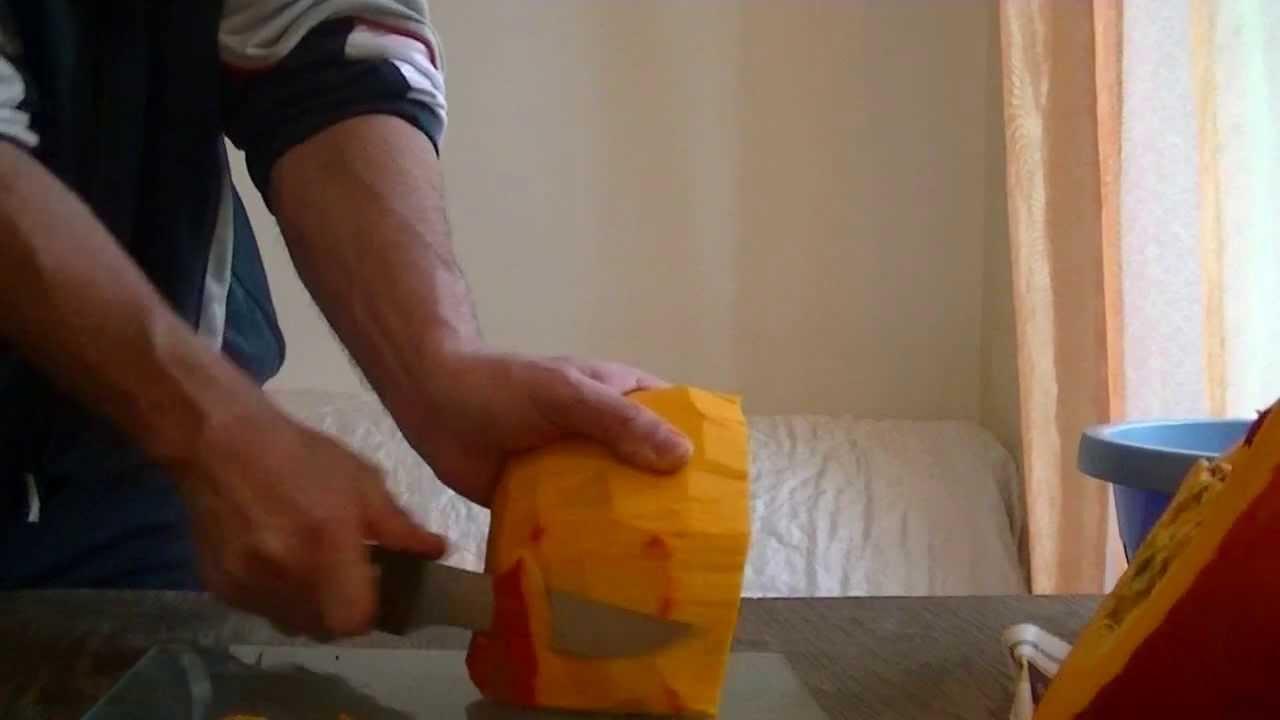 Comment plucher un potiron ou potimarron youtube for Comment tailler un potiron