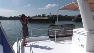 Fountaine Pajot motor yachts - catamaran QUEENSLAND 55  BoatMarket Moscow(Boatmarket - sale of Fountaine Pajot motor catamarans in Moscow http://www.boatmarket.ru/, 2014-09-19T22:09:49.000Z)