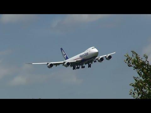 Wind Shear Landing Boeing 747)wind Shear Landing