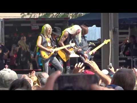 "Lynyrd Skynyrd "" Freebird "" live at the 2017 NY State Fair in Syracuse, NY"