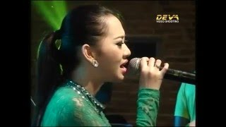 Download Lagu 05   Mawar Ditangan Melati Dipelukan.mp3