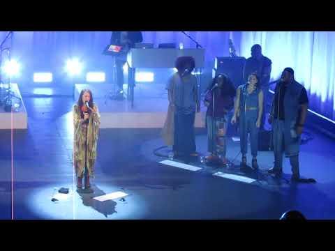 "Lauren Daigle ""Turn Your Eyes Upon Jesus"" (Live)"