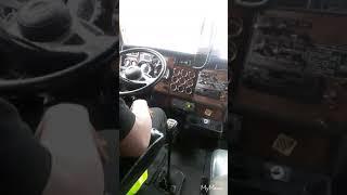 Video shifting my 03 kenworth 10 speed dump truck download MP3, 3GP, MP4, WEBM, AVI, FLV April 2018