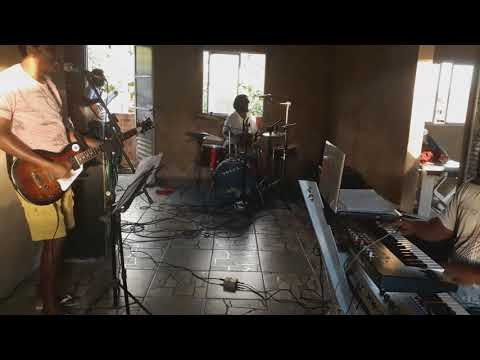 Paulo Mhi  e Banda Reggae PB (ensaio 02 oh chuva)