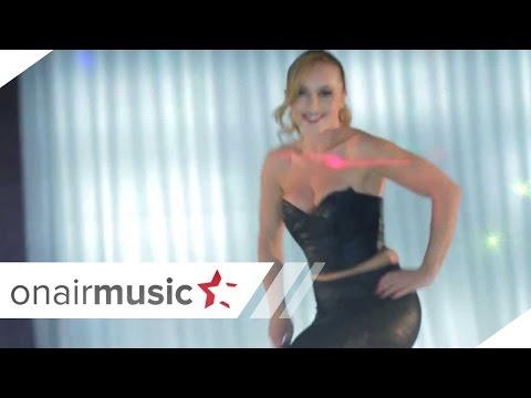 Adelina Berisha '' Party hard ''