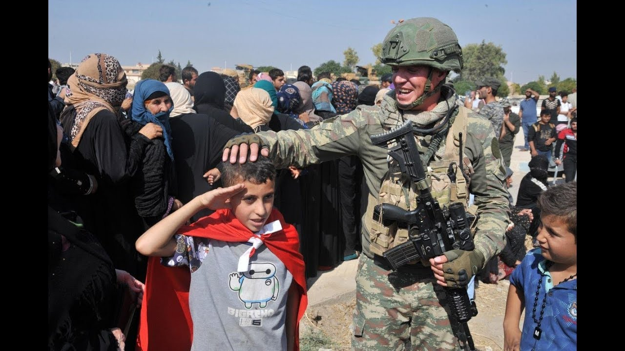 Mehmetçik'ten YPG'nin zulmüne maruz kalan halka şefkat eli! ile ilgili görsel sonucu