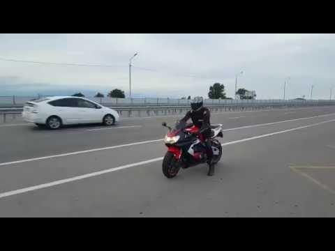 CBR 929 RR  190 км ч  на заднем колесе