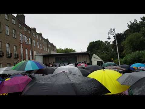 Trasna na dTonnta Repeal The 8th version performed at Merrion Square