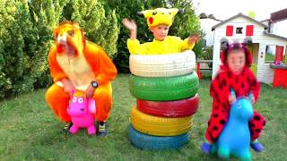Vania and Vitia play with COLOR TIRES