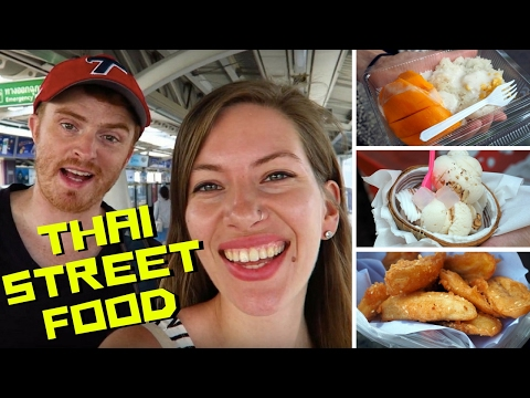 Thai Street Food Tour in Bangkok, Thailand at Chatuchak Market (จตุจักร)