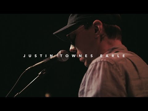 Justin Townes Earle - What's She Crying For