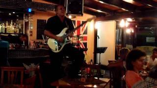 Живая музыка в ресторане Моррис