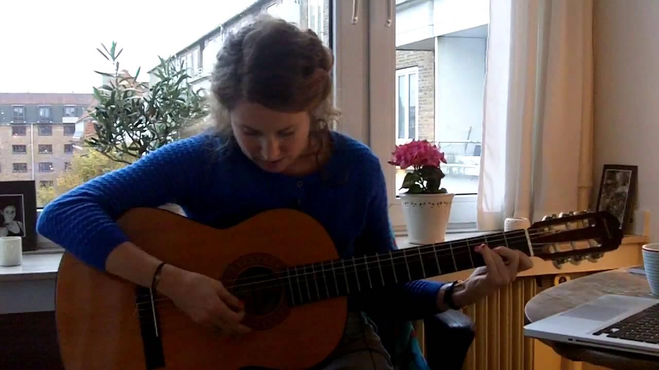 Sådan spiller du Lille Peter Edderkop på guitar