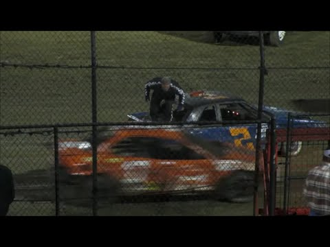 East Bay Raceway Park | 4 Cyl Bombers | Feature Race  | 4-23-16