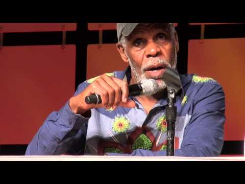 Danny Glover panel interview Lethal Weapon Color Purple etc at Phoenix Comicon Panel