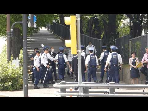 04.05.15 - Far-right group attempt to attack Anti-Nuclear camp in Japan, Kasumigaseki, Tokyo.