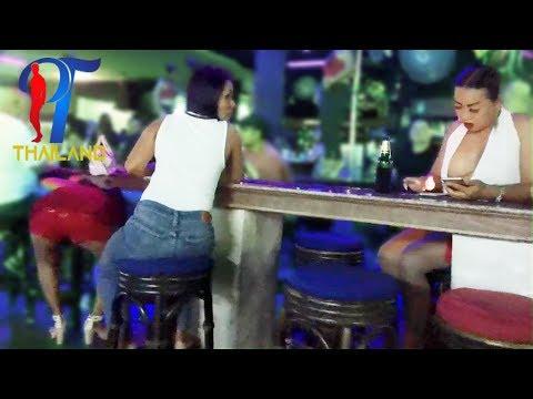 Night walk along the 8 Beach Road. Pattaya 2017,  Vlog 105
