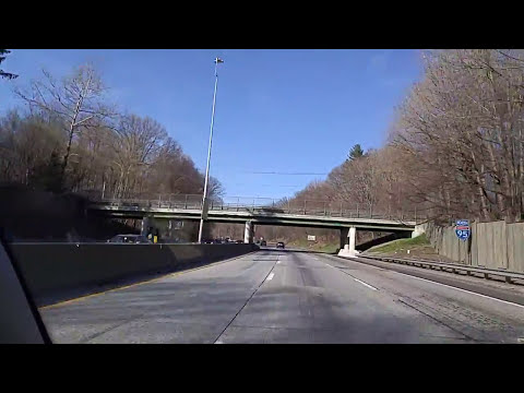 Driving on the I-95 from New Rochelle to Rye,New York