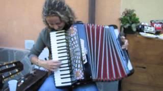 Elena Molinari con la sua fisarmonica 24-07-2010