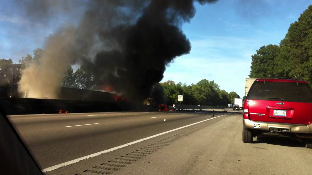 Fiery Wreck on I-40 in Knoxville, TN, USA