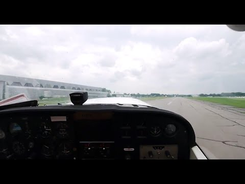 Cessna 172 Takeoff At Ottawa/Rockcliffe Airport (YRO/CYRO) Very Strong Crosswind And Gusty