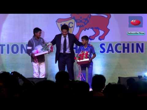Sachin Tendulkar presents awards to Musheer Khan and Prithvi Shaw