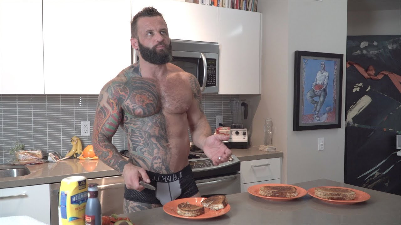 watch the naked kitchen online