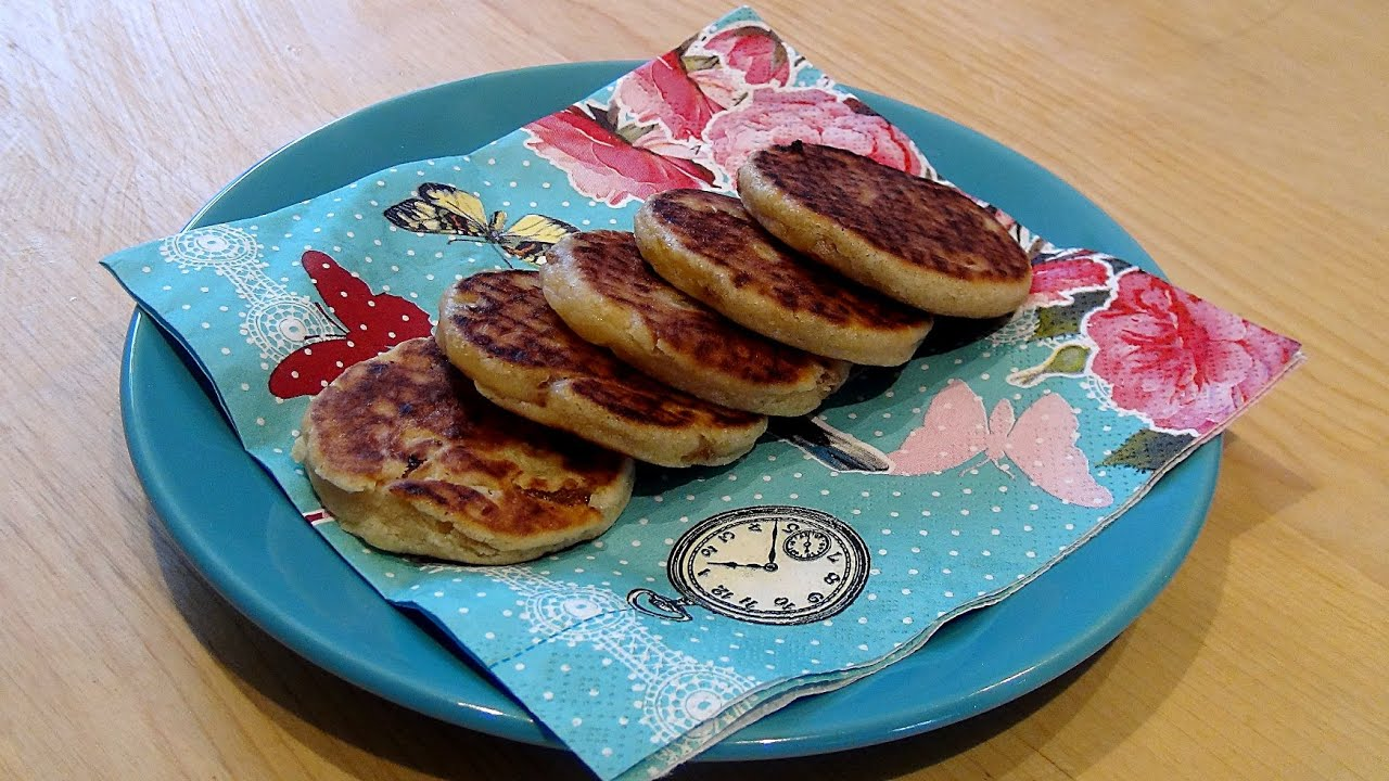 recette des welsh cakes youtube. Black Bedroom Furniture Sets. Home Design Ideas