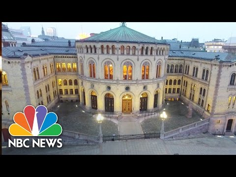 The View On President Donald Trump From Norway, 'The World's Best Democracy' | NBC News Mp3