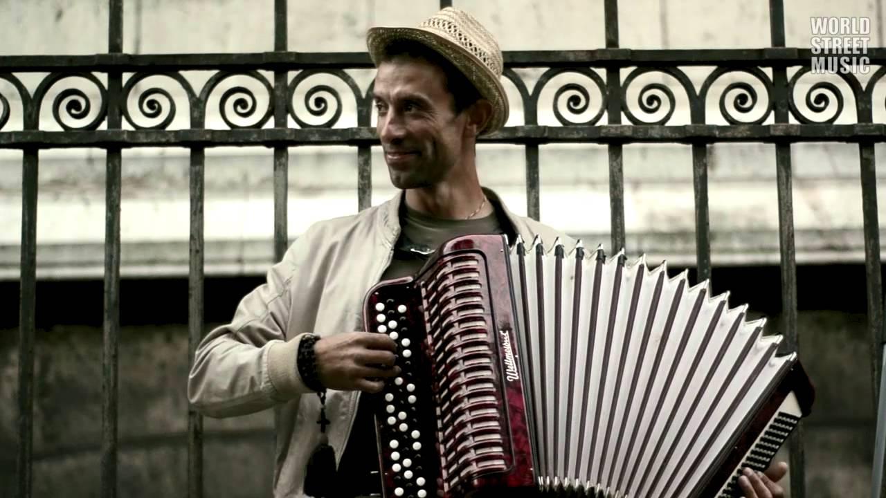 Paris Street Music: Incredible Russian Busker Accordionist