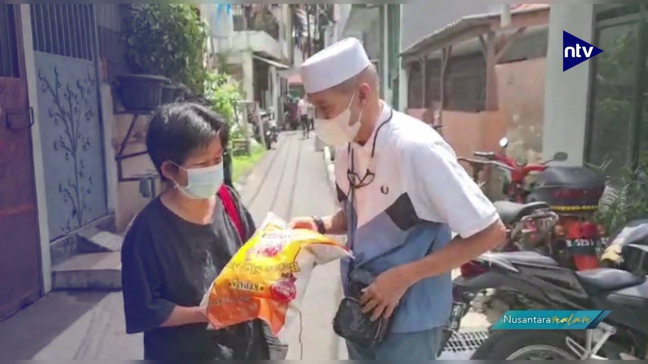 Habib Bagikan Angpao dan Beras kepada Warga Tionghoa
