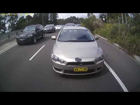the epidemic: drivers using mobile phones dashcam catches offenders Sydney