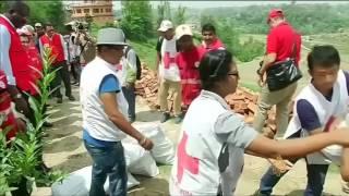 عام على زلزال نيبال والدمار لا يزال ماثلا