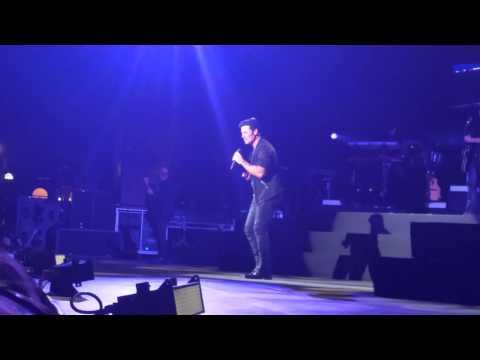 Chayanne - Dejaría Todo - (baila con fan) - Tucson