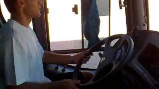 Uilson dirigindo o novo Scania série K