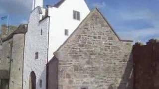 Nethie et July dans Parke's Castle