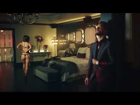 Descargar Música y vídeo  Maluma   Felices los 4  en mp3 y mp4 HD Nuevo Vídeo Oficial 1