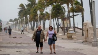 Florida residents begin cleanup in wake of Irma