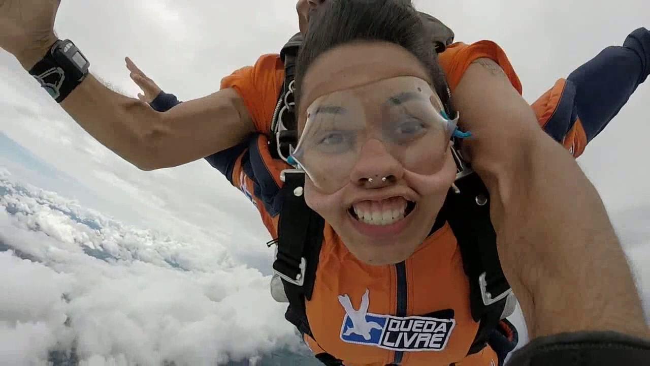 Salto de Paraquedas da Daiane L na Queda Livre Paraquedismo 12 01 2017