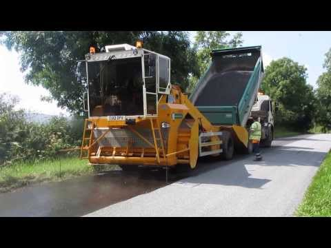 Road Surface Dressing - Application Of Binder