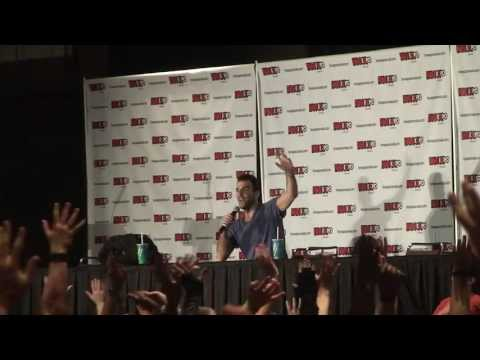Celebrity Q & A session with ZACHARY QUINTO Part 1 [Fan Expo 2013]