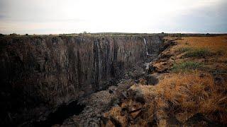 Zambia, la siccità minaccia le Cascate Vittoria: