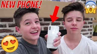 GETTING MY FIRST IPHONE  | Brock and Boston